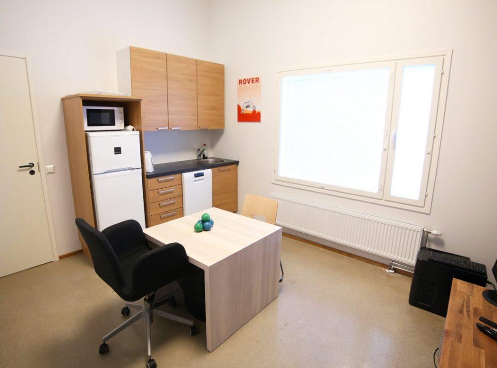 Talli/toimisto-osake vuokralla Oulussa